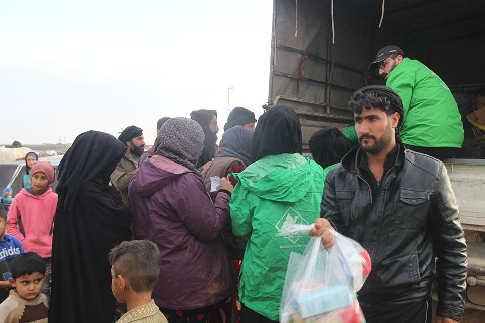 bénévole de l'association caravanes solidaires en action en Syrie
